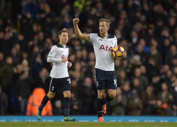 Harry Kane denies he wants to quit Tottenham amid Manchester United links
