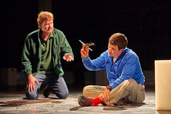 Review: The Curious Incident of the Dog in the Night-Time at Cliffs Pavilion, Southend